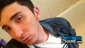 Gay Boyfriend : Bathroom Fun With Uncut Adam - Boyfriendshare!