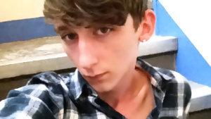 Gay Boyfriend : Max Shows Some Meat In The Stairwell - Boyfriendshare!